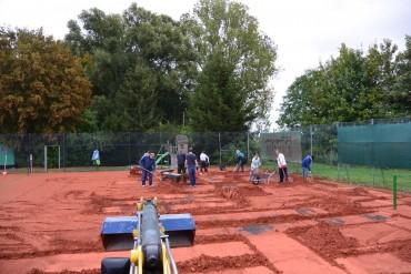Vorbereitungsarbeiten für neue Tennisplätze laufen…